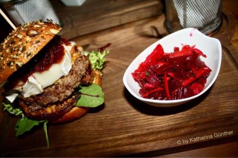 Michael Myers mit Rote Beete-Salat