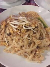 Der Klassiker: Leicht verdaulich und schnell ist diese Gericht mit Reisnudeln, Sojasprossen und Ei.